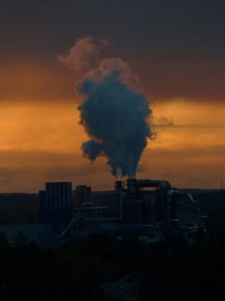 industry_power_plant_smoke_230427.jpg